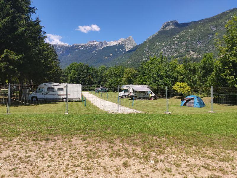 kamp polovnik
